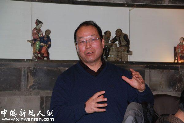 西安交大新闻与传播研究所所长、博士生导师,陕西省传播学会副会长李明德