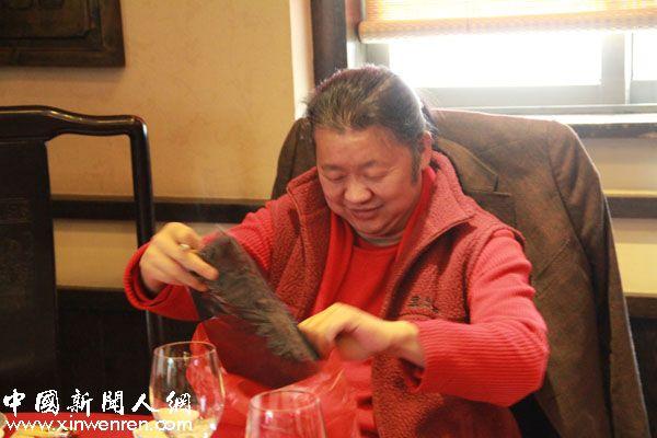 著名书画家,中国意彩仕女画派创始人,陕西唐人书画院院长孙光