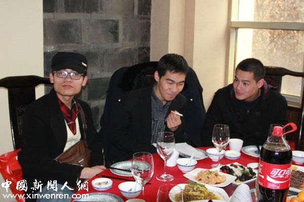 三面人,王朝晖、张庆军、郭子义(从左到右)