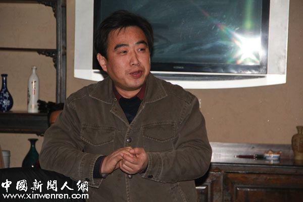 电视编导姬鸿博模仿三代领导人的原声惟妙惟肖