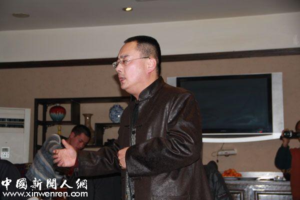 西安秦腔剧院的国家一级演员王战役为大家献上了亲切的眉户和秦腔