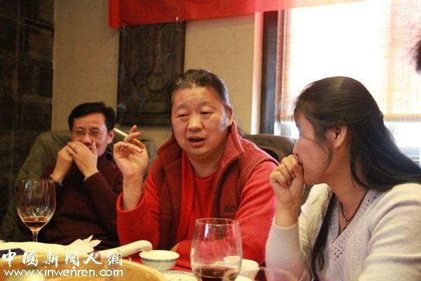 中国新闻人网顾问徐进军、孙光、马慧群(从左到右)