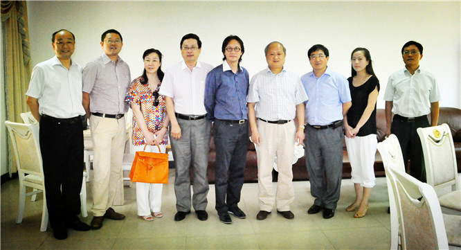 中共滁州市委常委、副市长王图强(右四)会见企业家日报社中国企业家联盟一行