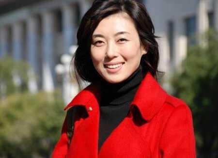 主持人李红胸罩掉了 李红对央视主播的影响力