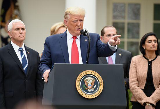 """美媒报道美国副总统彭斯宣传""""重启美国""""又没戴口罩"""